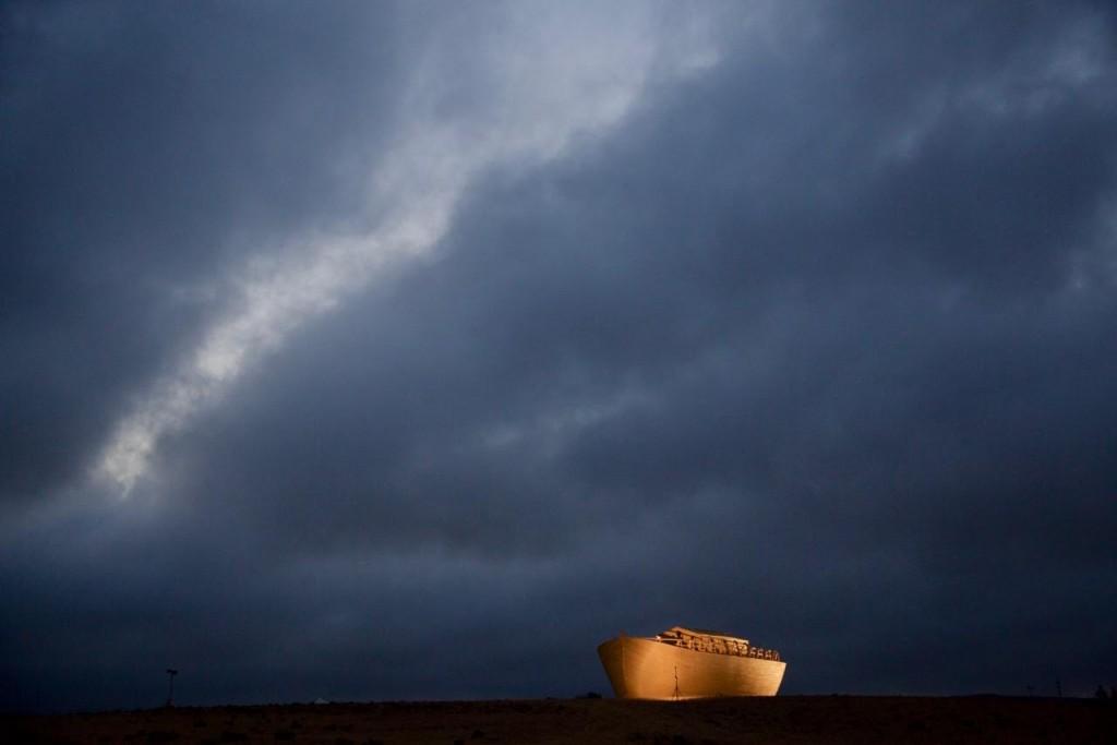 תיבת נוח המושלמת באמצע המדבר (צילום: רז דגן. אינסטגרם: raz_degan)
