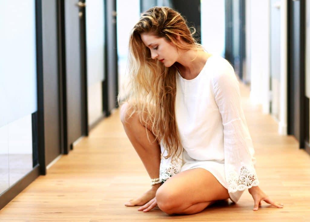 אמונה עצמית היא המפתח. צילום: אילן בשור, לבושה ב RiverStyle, במתחם של ריג'ס כמובן