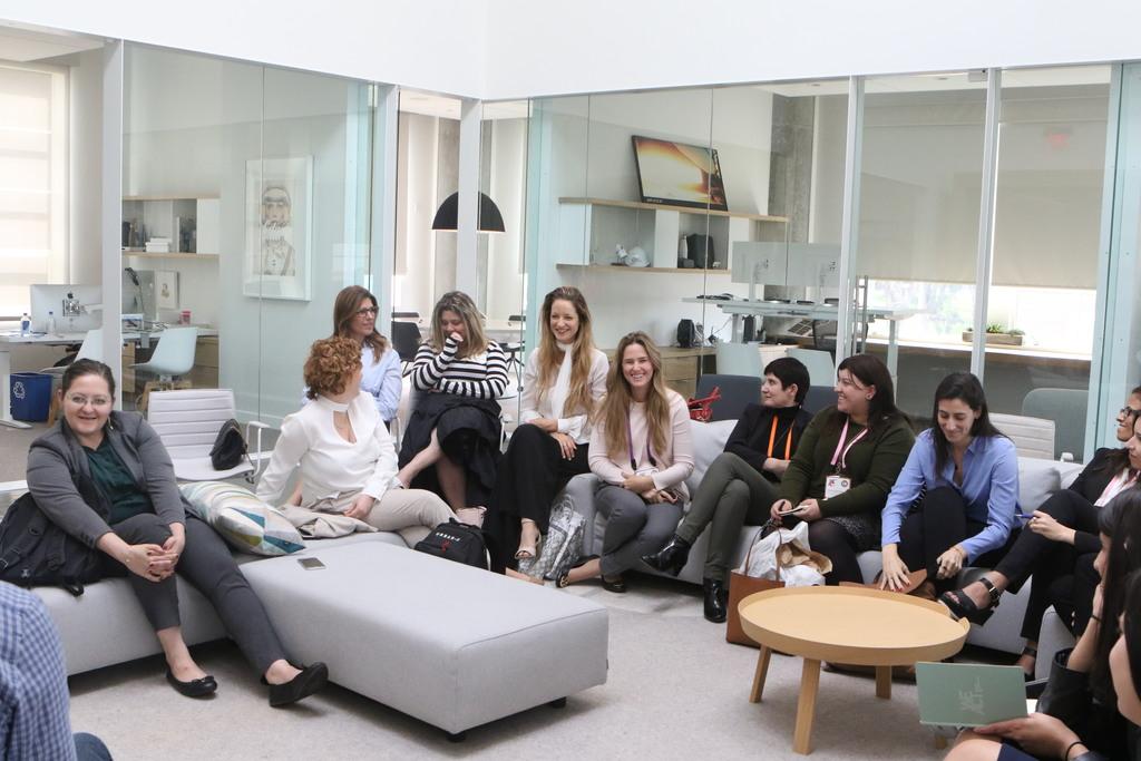 צוות מנצחות בביקור במשרדי Founder Fund. תמונה:לימור אדרי