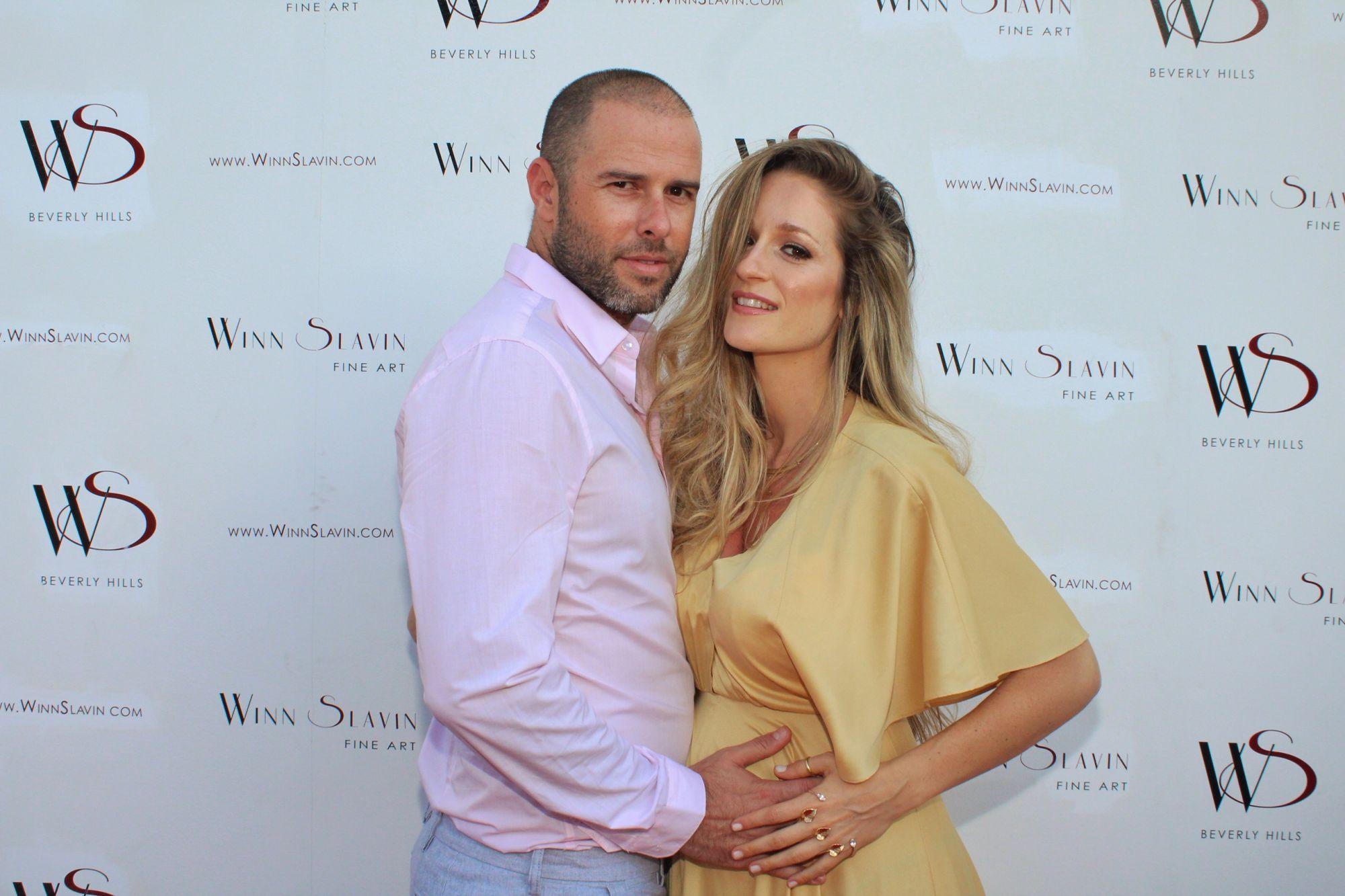 תמונת הריון זוגית ראשונה שלנו יחד בפרימיירה של דניאל