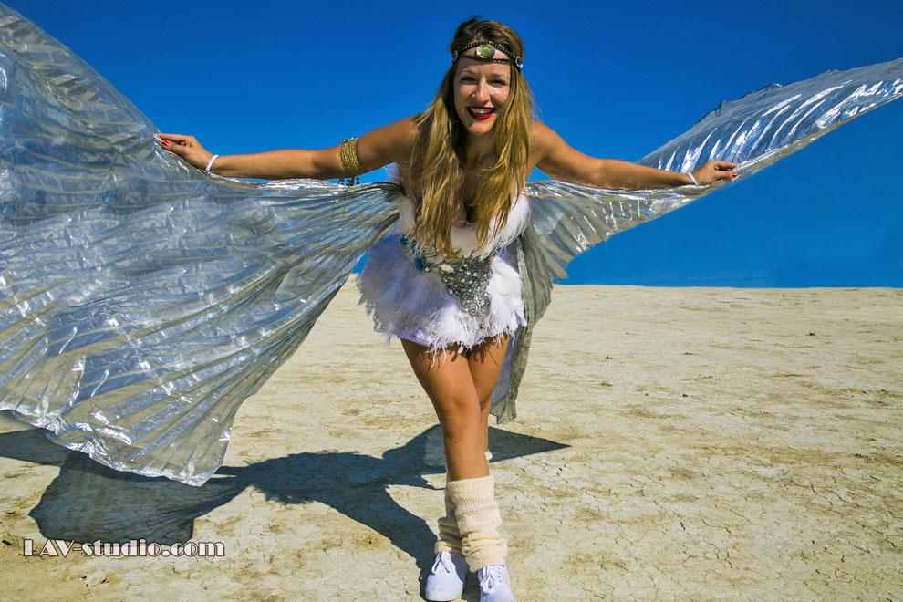 עפה בברנינגמן (צילום: ערן לם, תלבושת: רונית פורטל) Burningman 2014