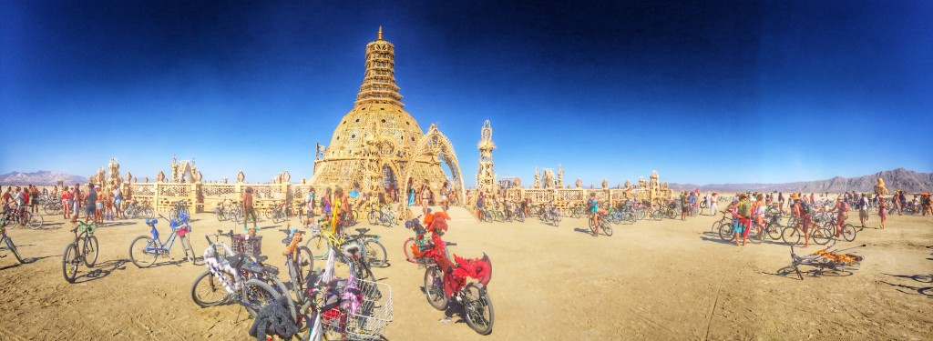 מקום קסום. Burning Man's Temple המקדש של ברנינגמן
