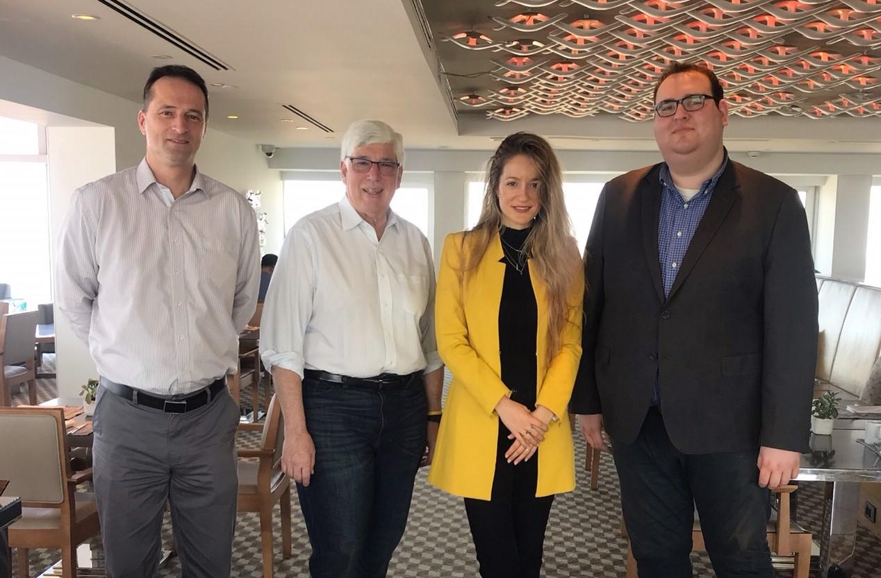 """עם ראש עיריית בוורלי הילס, ג'וליאן גולד, רותם גנץ וראש מחלקת החדשנות של רמב""""ם ד""""ר אטלס"""