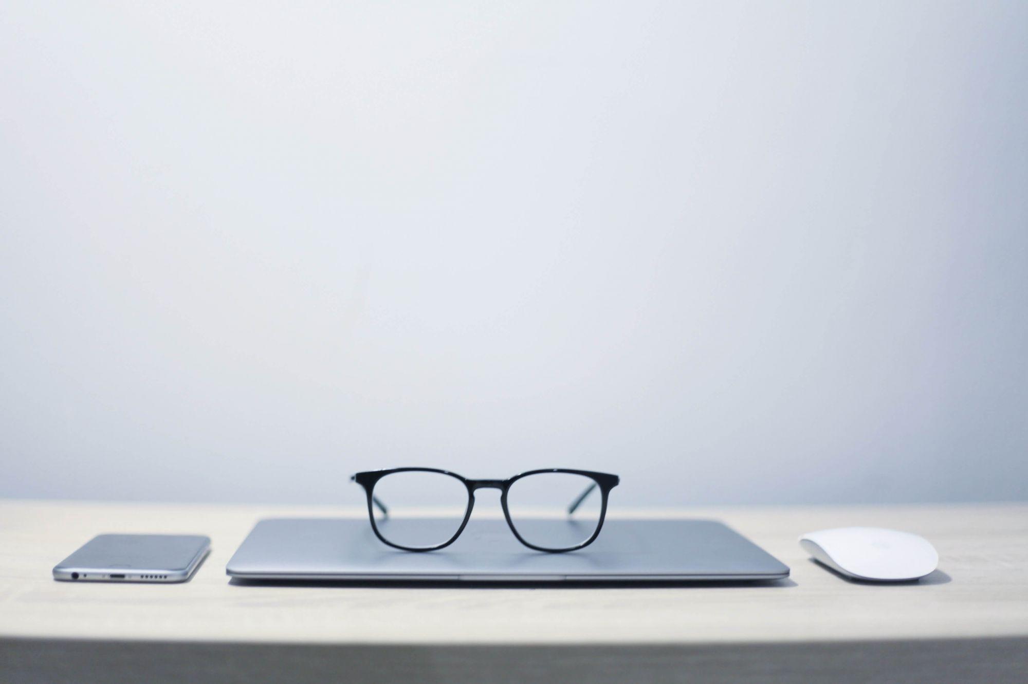 איך להתמודד עם תגובות שליליות ולנהל מוניטין ברשת